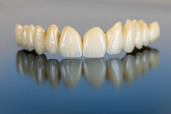 Zahnarztpraxis Rage-Holm | Ästhetische Zahnheilkunde